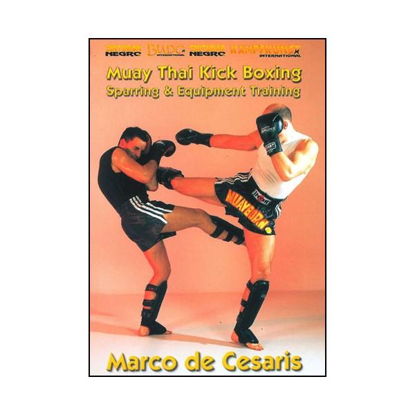 Muay Thai Kick Boxing, sparring & equipment training - M. de Cesaris